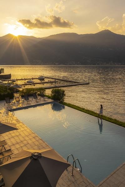 fronte lago esclusivo con piscina